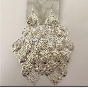 "Jewelry - *Moving Sale* 6"" Silver Shoulder Duster Earrings"